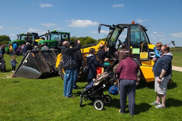 Image Gallery: Meet The Machinery Cotswold Park Farm