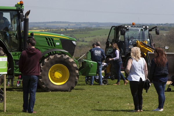 MeetMachinery-CotswoldPkFarm-May16-24