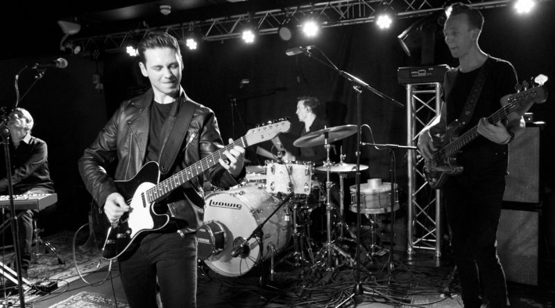 Laurence Jones Live @Zephyr Lounge